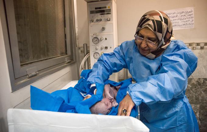تضررت الخدمات الصحية في المناطق المتأثرة بالصراعات والمناطق المضيفة للنازحين بشكل كبير نتيجة للحرب المدمرة خلال السنوات الثلاث الماضية ضد داعش © صندوق الأمم المتحدة للسكان في العراق