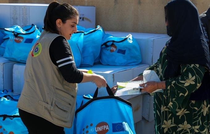 تلقت 500 امرأة حزمة الكرامة هذا الأسبوع. صورة: التنمية المدنية الدولية / 2017