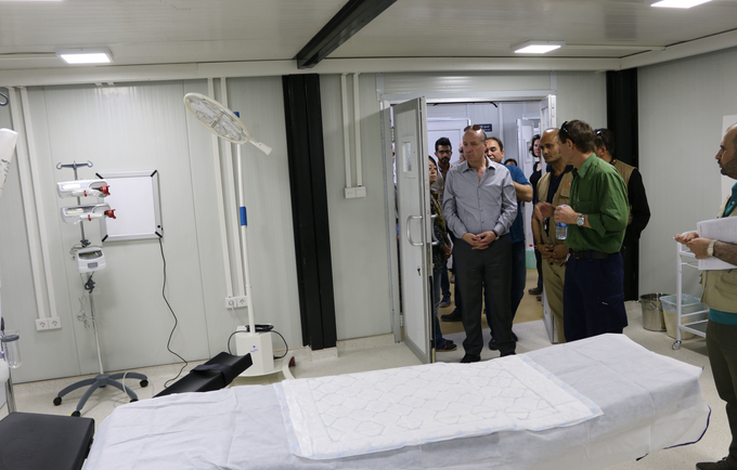 Dr.Luay Shabaneh, UNFPA Arab States Regional Director  and UNFPA Representative in Iraq Mr.Ramanathan Balakrishnan at the UNFPA maternity wing of the field hospital in Adhba, Iraq