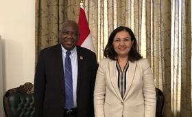 الدكتور سوجونرو مع السيدة الأولى © 2019 / صندوق الأمم المتحدة للسكان في العراق